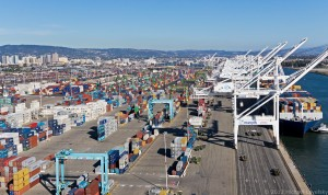 Port of Oakland and downtown - 9008